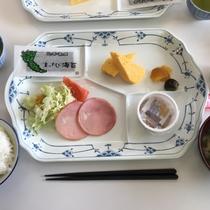 *朝食一例/魚沼産コシヒカリが美味しい!バランスのとれた朝食をどうぞ。