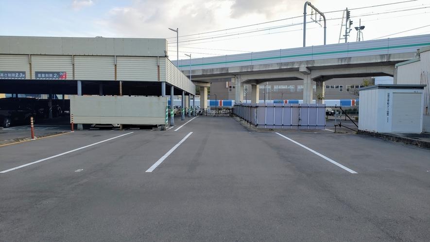 大型駐車場