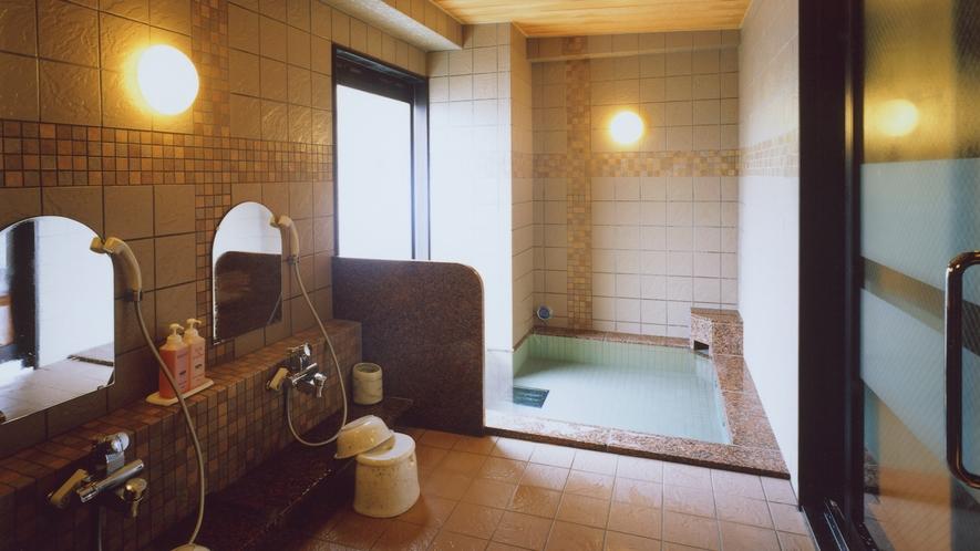 女性浴場内☆シャンプー・コンディショナー・ボディシャンプー設置☆