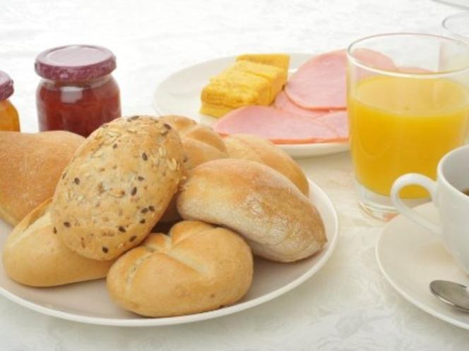 ヨーロッパ直輸入のパン☆ルスティコロール、ゼンメル、チャバタ、カイザーコーンの4種類☆