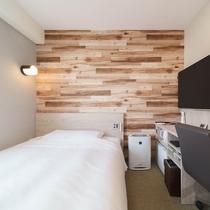 【スタンダードルーム】眠りを追求した150㎝幅のワイドベッドと適度な硬さのマットでぐっすり