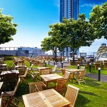 屋上ガーデン「ペルゴラ」 GW~夏季は開放的な屋上ガーデンでBBQブッフェを。