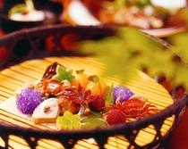 旬の食材多く使用した 創作料理
