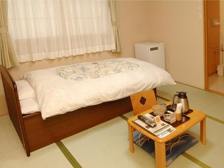 A【1階和室ベッド】ちょっと広めの1名様、または2名様ご利用