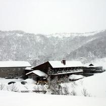 本館 外観(冬)