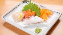 *夕食(一例)/ご飯・お酒の定番、お刺身~帆立にはさっぱりレモンを添えて~