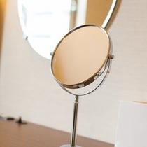 ★レディース鏡★をレディースルームに設置