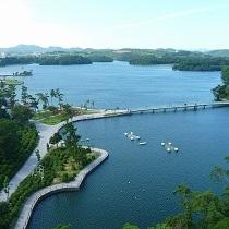 ★ときわ公園★ときわ湖を中心に広がる緑と花と彫刻に彩られた公園です。