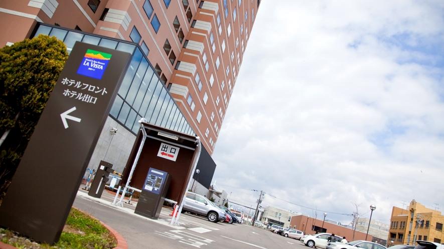 ■ホテル駐車場■