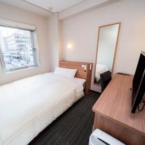 ワイドベッド(150cm幅)・静かで清潔なお部屋