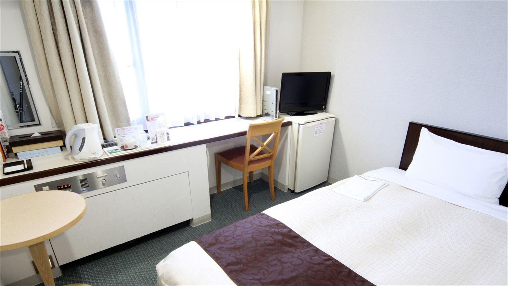 シングルルーム(スタンダード) 広さ14〜16m2、ベッド幅100〜110cm