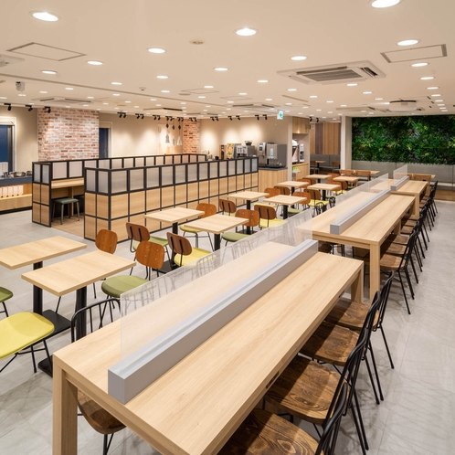 リニューアルオープン♪朝食会場が大きくなりました。開放感あるスペースになりました。