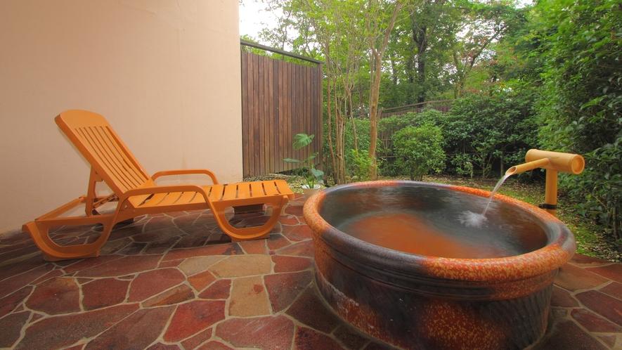 【103月星】陶器の露天風呂