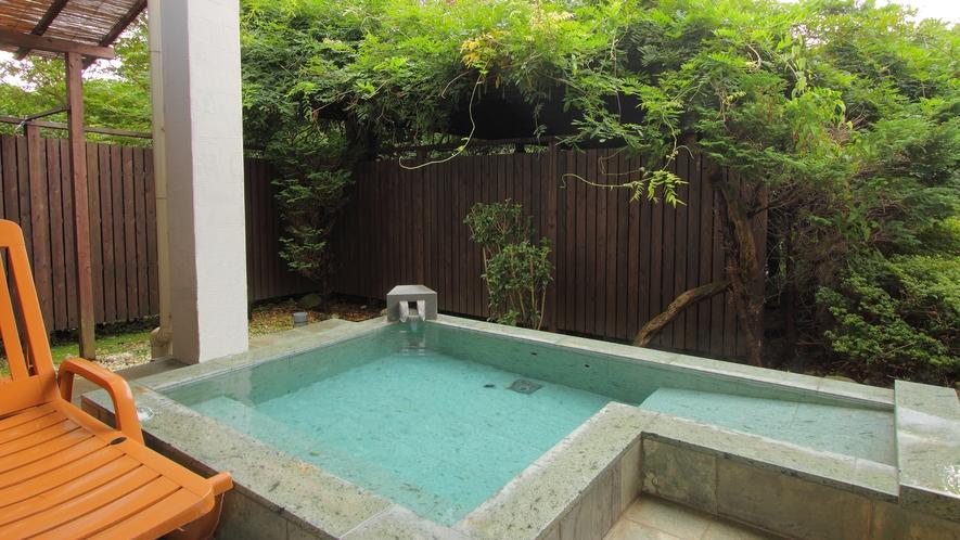 【102星影】御影石の露天風呂