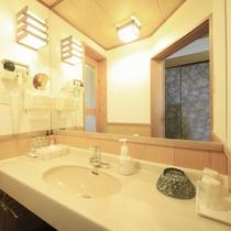 ■【温泉内風呂&マッサージ機付】特別室 ※一例/清潔に保たれた洗面所