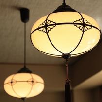■ロビー/サロンのレトロで情趣ある照明
