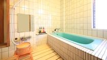 ■【温泉内風呂&マッサージ機付】純和風客室 つつじの間 ※一例/温泉給湯の内風呂