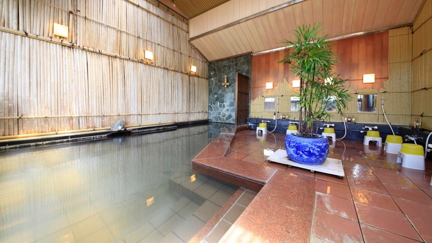 ■純和風展望風呂(女湯)/圧倒的な静けさのなか、源泉掛け流しの湯を情趣豊かにお楽しみくださ
