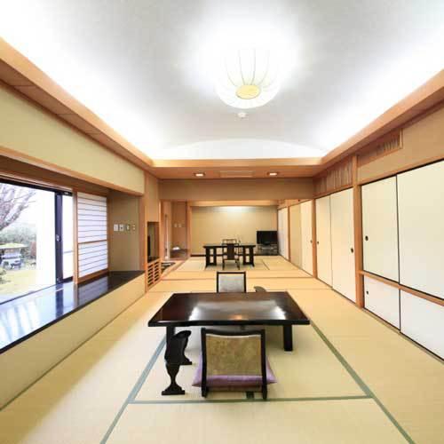 【「宴」の間】大広間としてもお使い頂ける、開放感あふれるお部屋です。