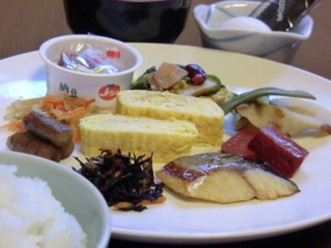 朝食バイキングの一例です(和食)