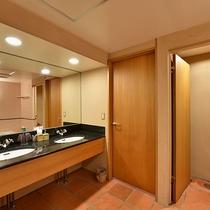 *洗面台も2つあってとっても使いやすいバスルームです。