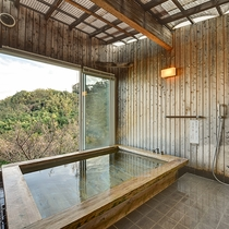 *■無料貸切風呂 「檜風呂」 素晴らしい眺望をお楽しみください。