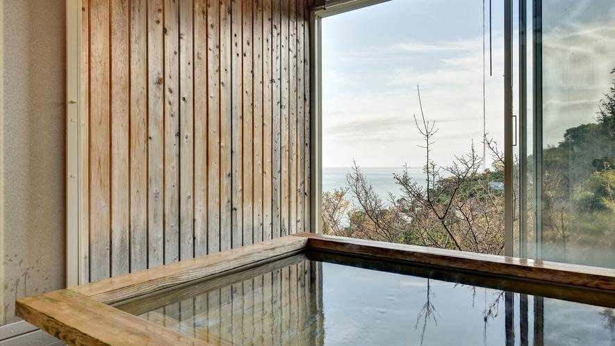*■無料貸切風呂 「檜風呂」 香り漂う癒しの空間です。