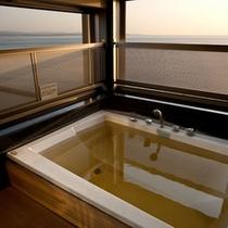 お部屋でも朝日を感じてうっとり。