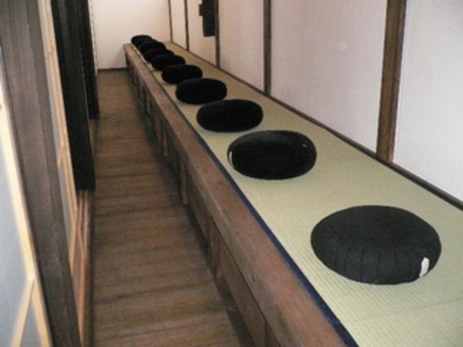 新しい坐禅堂1