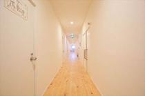 客室のある2F廊下