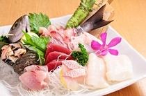 萩原鮮魚から新鮮な地魚のお造り