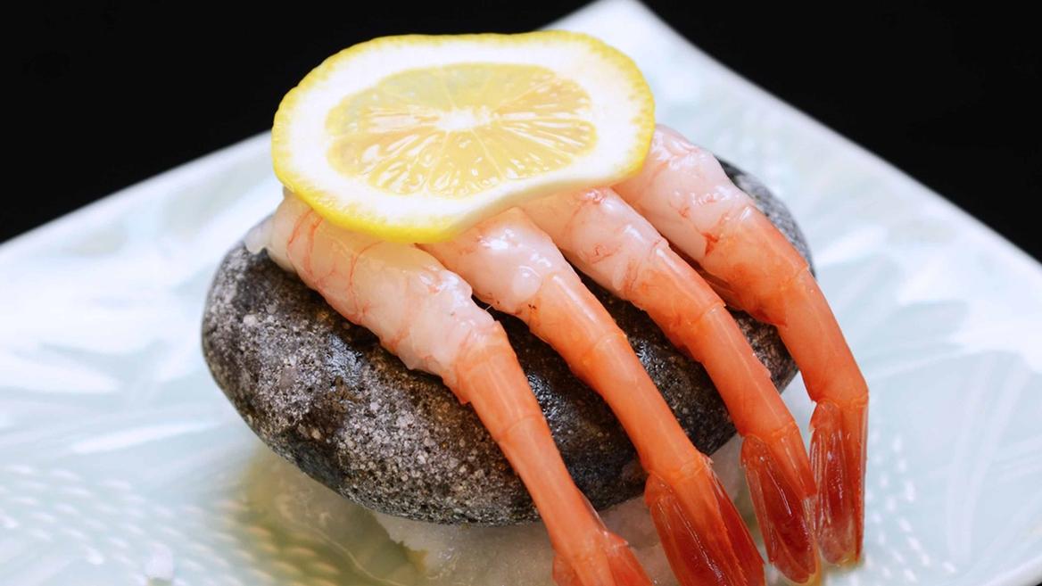 *橋立港で新鮮なとれとれ甘海老を石焼きでお召し上がりください♪