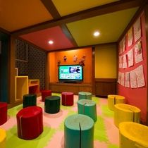◆おもちゃだらけの秘密基地◆大切なお子さまも楽しめるよう遊べるスペースをご用意しております♪