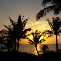 ムーンビーチから見る夕日