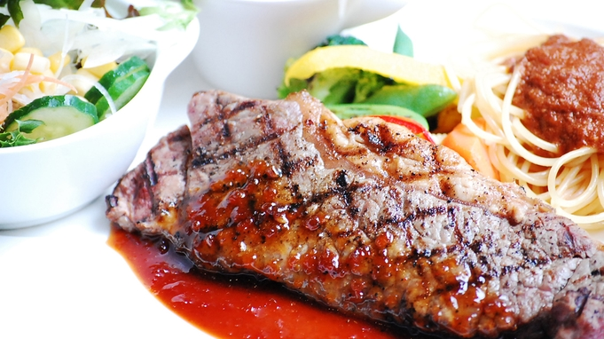 【おひとりさまにおすすめ】ディッシュプレートディナー&朝食付きプラン《1泊2食付き》