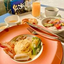 エッグベネディクト朝食