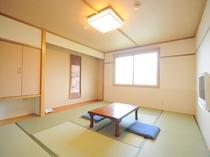 【和室】ゆっくりくつろげる落ち着いた空間。
