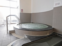 【大浴場】ジャグジーのマッサージ効果で癒されます