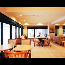 ★カフェ・バー「デイゴ」 店内3