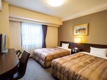 ■スタンダードツインルーム■ 余裕あるサイズのお部屋。ご家族での利用に最適。