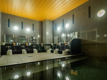 ■男性大浴場■ ラジウム人工温泉「旅人の湯」 広々大浴場で旅の疲れをリフレッシュ!