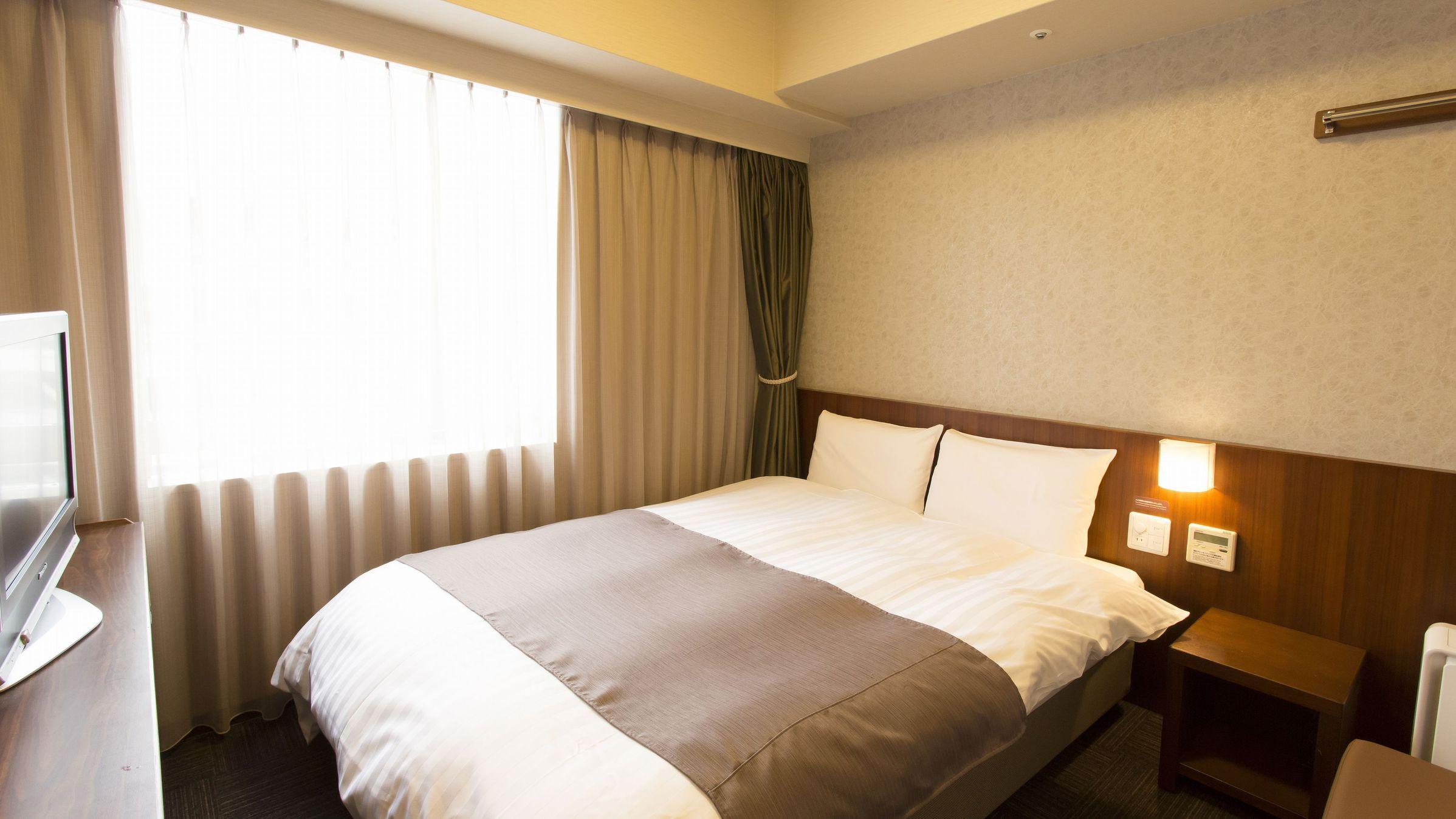 ■ダブルルーム 15平米 ベッドサイズ140cm205cm