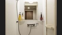 ■客室シャワーブース 和洋室・ユニバーサルルーム以外はシャワーブースとなっております。