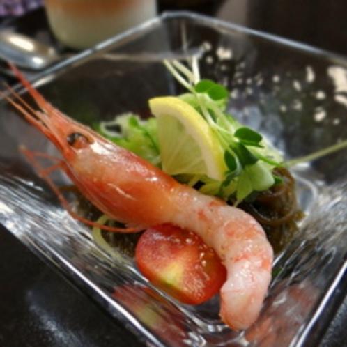 こだわりの「沖縄もずく」食感も良くお子様もお召し上がり頂けます。