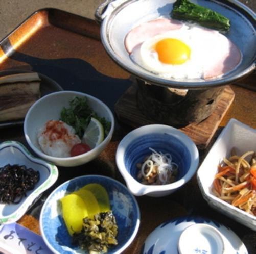 ■朝食一例〜手作りにこだわった小さなお宿ならではの味です