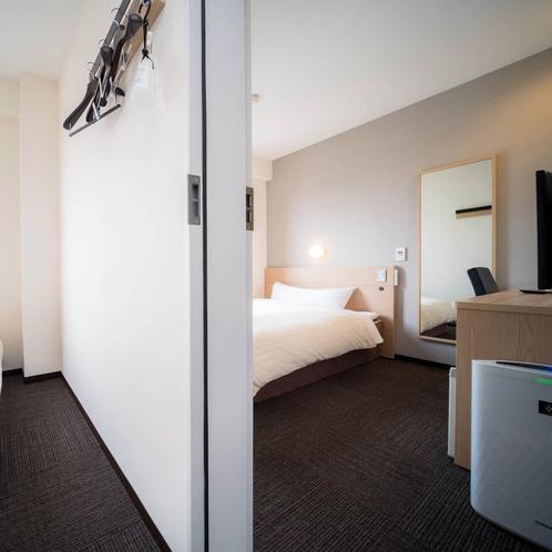 【客室・コネクティングルーム全室<1500×2000>幅広タイプでゆっくり快眠】