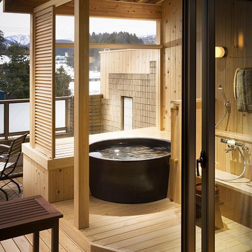 [客室露天風呂の一例】 落ち着いた陶器タイプ