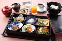 プレミアム和朝食(定食タイプ、1,800円税込)※要予約