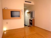 床を全面フラットにし、ストレッチやお荷物のスペース等にもお使い頂けます。