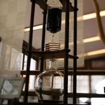 【水出しアイス珈琲】 *8時間かけておとした水出しコーヒー。ご出発前の景気つけにどうぞ。
